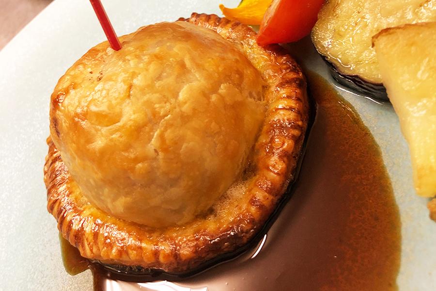 和牛パテとフォアグラのパイ包み焼きの商品写真