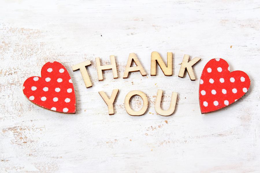 2つのハートと「THANK YOU」の文字