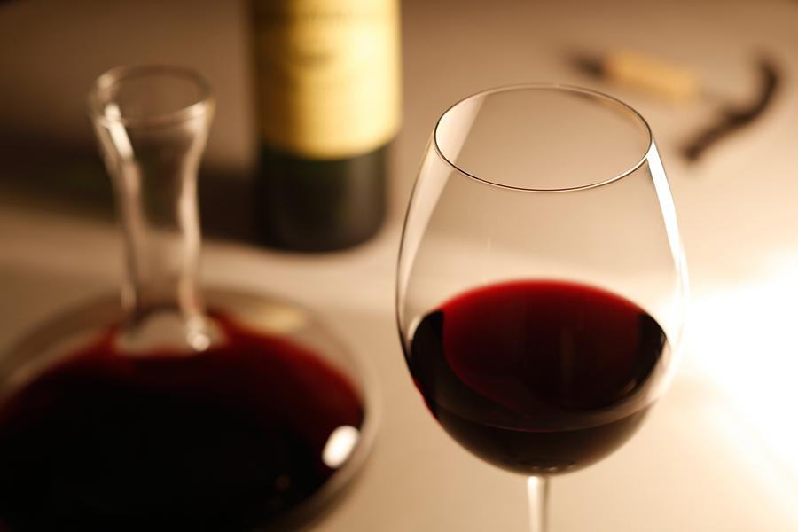 赤ワインのイメージ写真