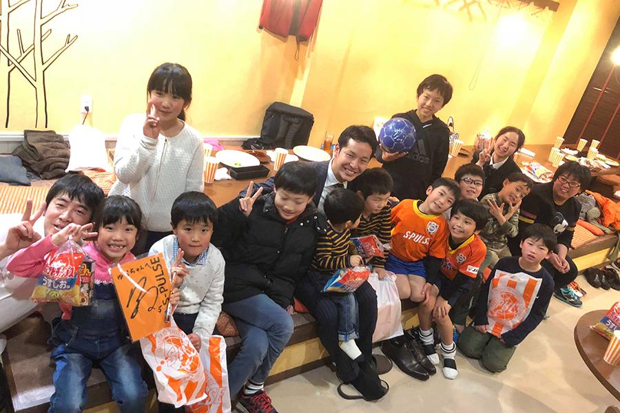 鎌田選手の子ども食堂の時の様子
