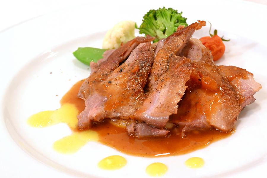 鴨肉のコンフィのイメージ写真