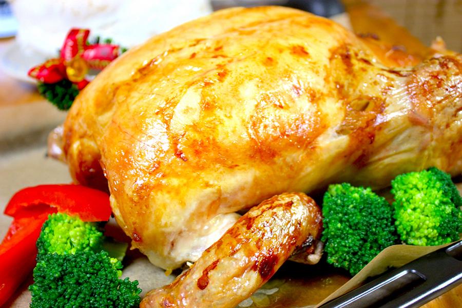 鶏の丸焼きのイメージ写真