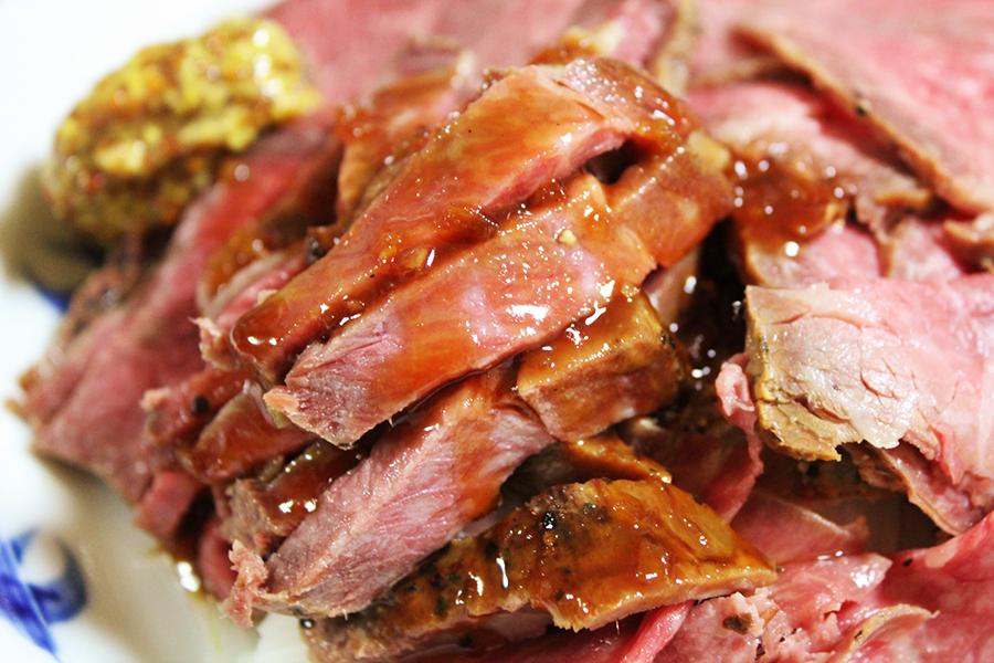 ローストビーフ丼のイメージ写真